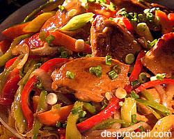 Carne de pui cu legume