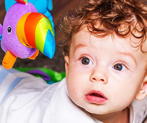 Activitati de joaca pentru bebelusii de 7 luni