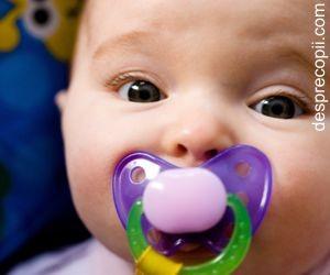 Suzeta si infectiile la urechi ale bebelusului