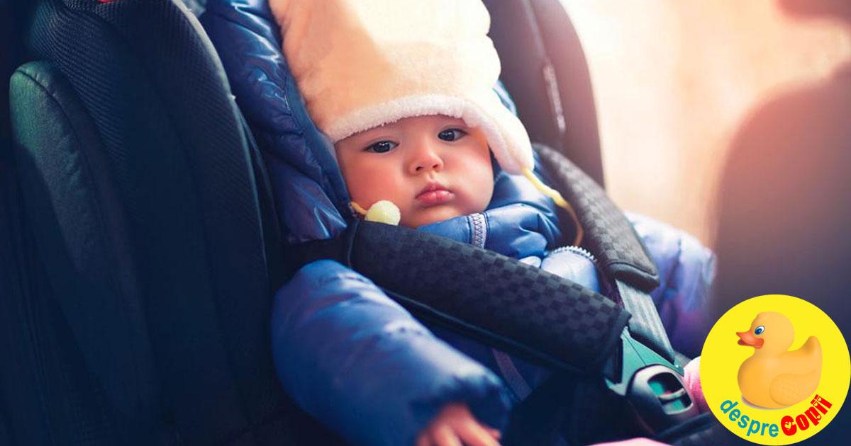 Bebelusul in scaunul de masina: atentie, hainele groase jos