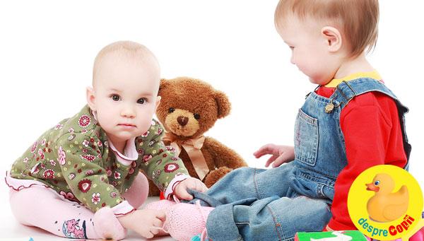 Bebelusii invata mai bine cand sunt impreuna cu alti bebelusi
