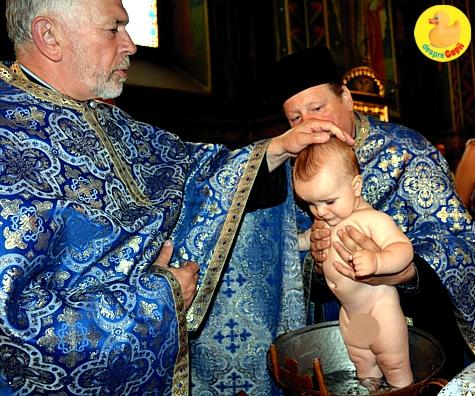 Botezul copilului, obiceiuri, sfaturi, ghid pentru parinti
