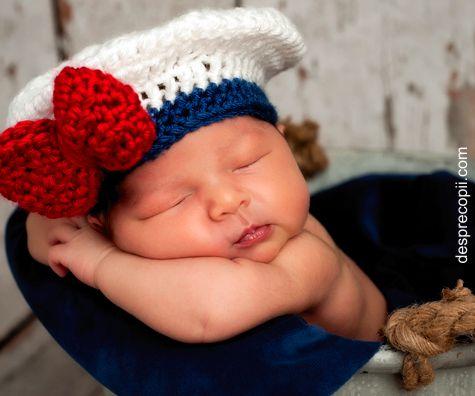 Trebuie sa poarte bebelusul intotdeauna o caciulita? Afla cand si de ce