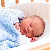 Cat doarme bebelusul: diagrama somnului bebelusului, in ore de zi si de noapte