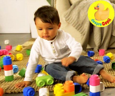 Cand joaca bebelusului este si o lectie din care invata: jucariile inteligente de la Clementoni