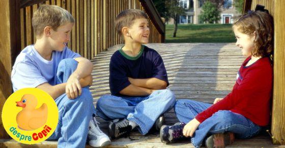 Cum iti inveti copilul sa converseze pentru a-si face prieteni: schema de initiere a conversatiilor