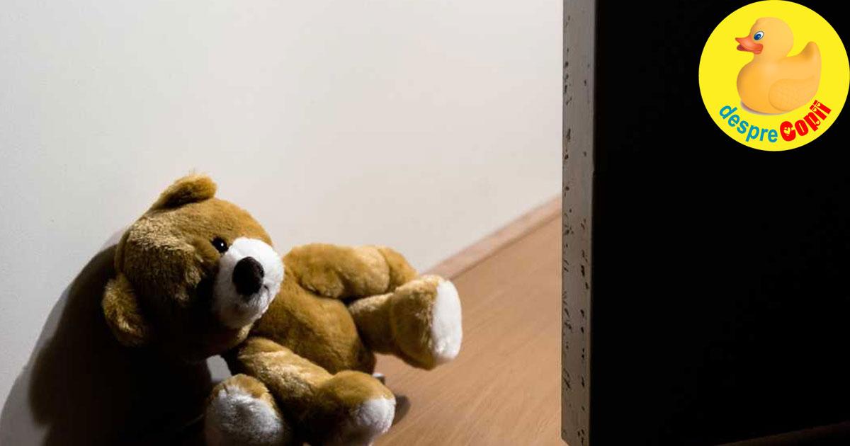 Copil de 2 ani, mort din cauza caldurii din camera. Pericolul urias al deshidratarii la copii.
