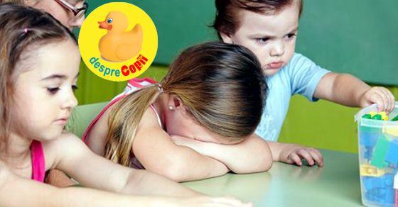 La ce varsta ar trebui sa se joace copilul meu cu alt copil?