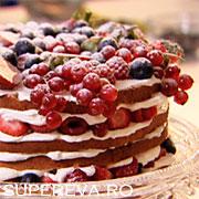 Tort Genoise cu fructe de padure