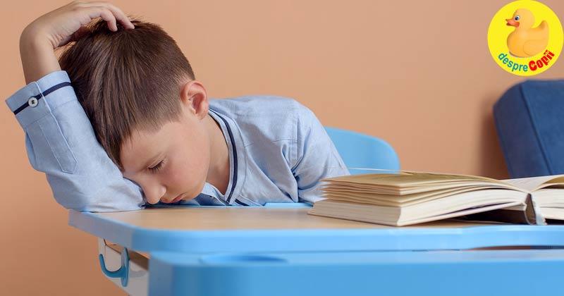 De cate ore de somn are nevoie un copil scolar? Si ce se intampla daca nu doarme suficient? E important sa stii, daca esti parinte