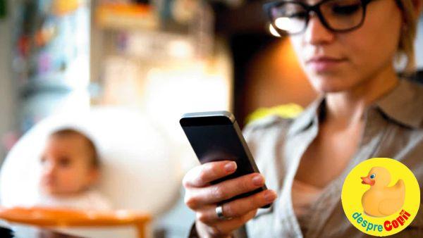 Petreci mult timp pe telefon? Iata ce efect are acest lucru asupra copilului tau