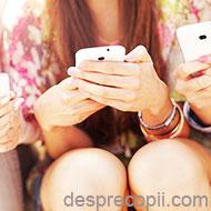 Parintii in era digitala: abordari, detox si sfaturi
