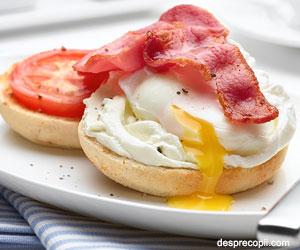 Mic dejun cu ou si branza
