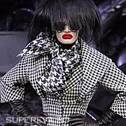 O colectie bizara – Alexander McQueen, toamna - iarna 2009 - 2010