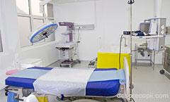 Prima nastere in apa la maternitatea din cadrul Campusului Medical Brasov