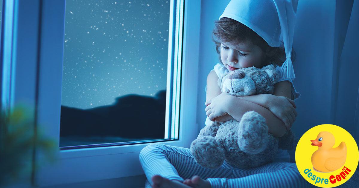 Cine stabileste ora de somn a copilului? Sfaturi strategice pentru parinti