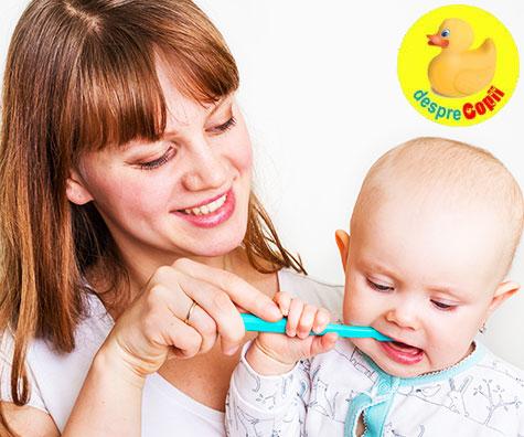 Ulei de nuca de cocos in rol de pasta dinti pentru bebelusi
