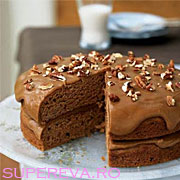 Tort cu pastarnac si glazura de caramel