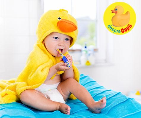 Prima periuta de dinti a bebelusulu