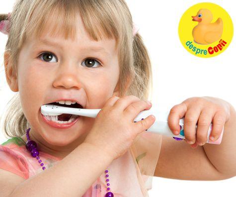 Periuta de dinti electrica, noua prietenă a copilului