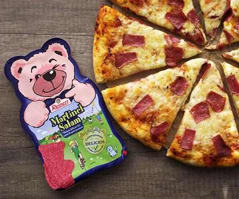 Pizza cu Salam Martinel si Mozzarella