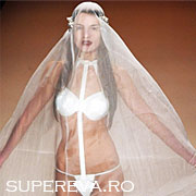Rochia de mireasa cu bikini