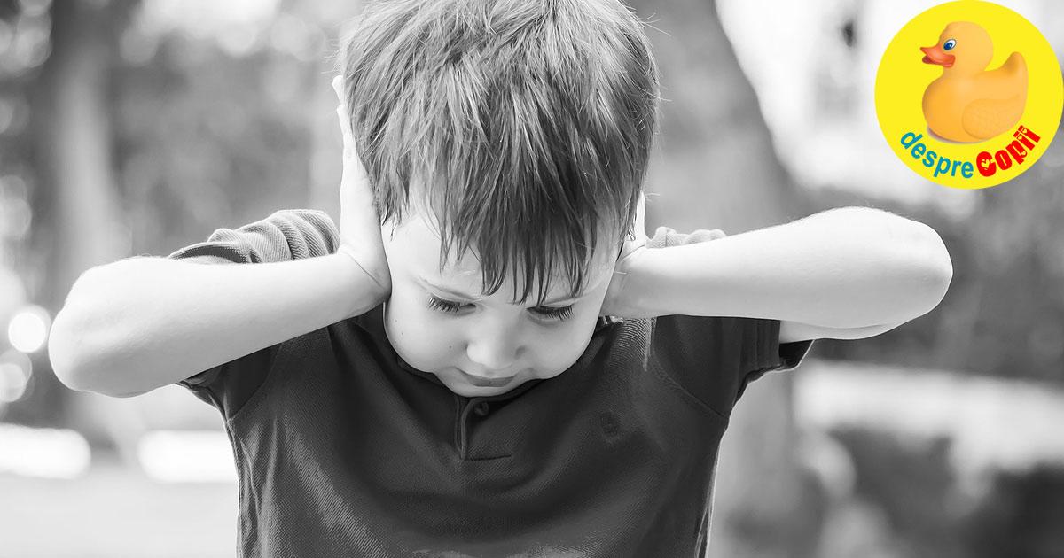 Semne ale autismului la copil. Iata cum le poti recunoaste cat mai devreme
