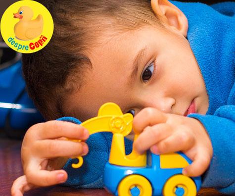 Primele semne si simptome ale autismului la copil - iata de ce e bine sa le cunoastem
