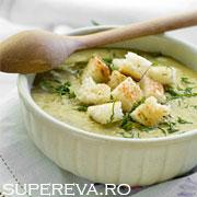 Supa crema de spanac cu mazare si menta