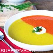 Supa crema bicolora cu ardei