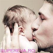 Sfaturi pentru tatici: cum sa se apropie de bebelus