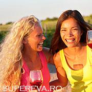 Un alt motiv pentru a te bucura de un pahar cu vin: arde grasimile