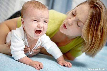 /Images/bebe-mama-plange.jpg