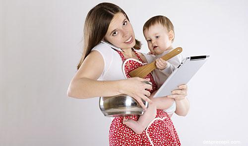 /Images/mamica-obiceiuri-bebe-in-brate.jpg