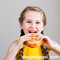 5 alimente cu care sa NU ne hranim copiii