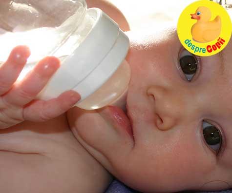 Mami NU da bebelusului tau apa. Apa ii poate provoca intoxicația cu apa care poate duce la deces