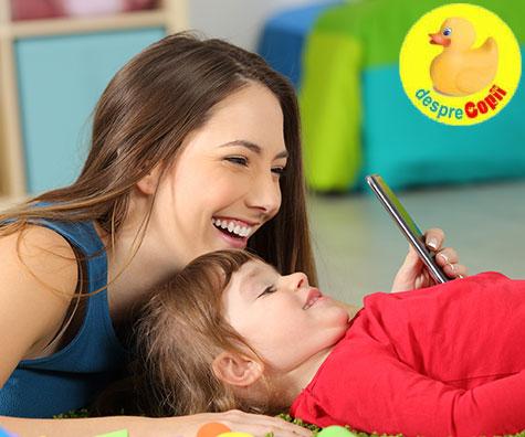 Cum sa satisfaci curiozitatea copilului pentru telefoane intr-un mod educativ?