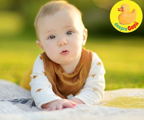 Ce stie sa faca bebelusul la 5 LUNI: Iata cat doarme si cum se dezvolta emotional