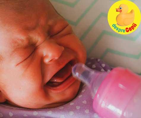 Greselile mamicilor de bebelusi: prepararea incorecta a laptelui formula si modul gresit in care bebe e atasat la san