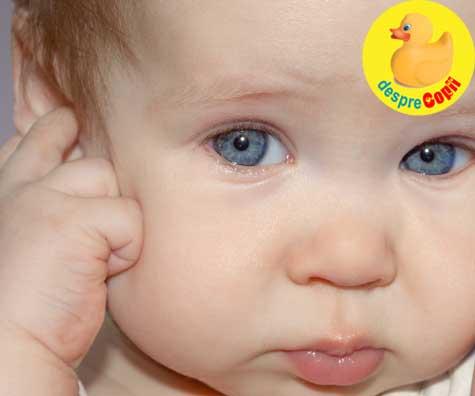 Bebelusul se trage de urechi? Iata sfatul medicului pediatru