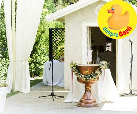 Slujba pentru botezul bebelusului se poate face in aer liber? Iata ce stim