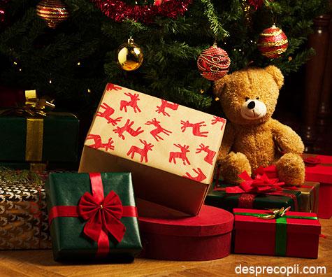 Doamna Craciun, vocea Doncafe, vine cu sfaturi pentru impachetarea cadourilor