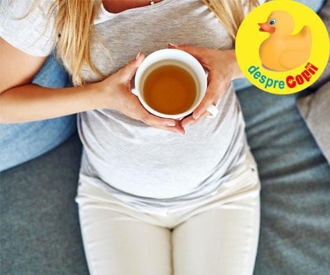 Ceaiul din frunze de zmeur: indicatii si pericole in timpul sarcinii si nasterii