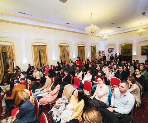 Peste 100 de parinti au participat la o discutie realista despre vaccinuri si vaccinare