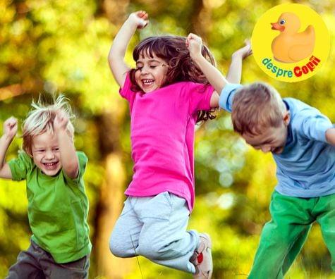 Copiii isi petrec mai putin timp liber afara decat puscariasii: semnal de alarma si ce e de facut