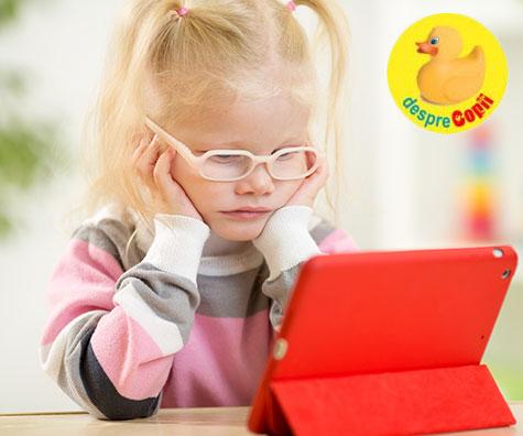 Smartphone-urile și tabletele provoacă probleme de sănătate mintală copiilor mici