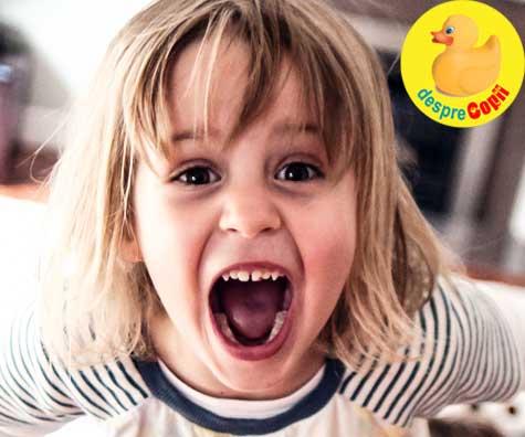 Copilul tau este obraznic cand esti in apropiere? E o veste buna - iata ce inseamna asta si ce stie copilul