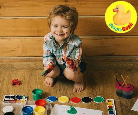 Copilul isi exprima sentimentele prin joaca si activitati creative. Iata cum trebuie sa il incurajam