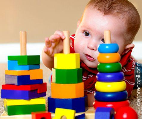 Cum invatam bebelusul sa distinga culorile si de ce sunt importante aceste lectii