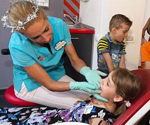 Dental Care Parenting – pentru un zambet sanatos